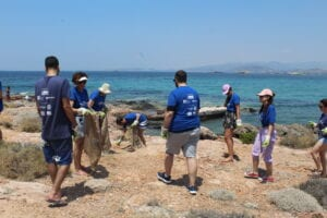 The Hellenic Initiative supports the National Hellenic Student Association (NHSA) of America Beach Clean Up event in Athens in collaboration with Ethelon Organization for a 2nd consecutive year!